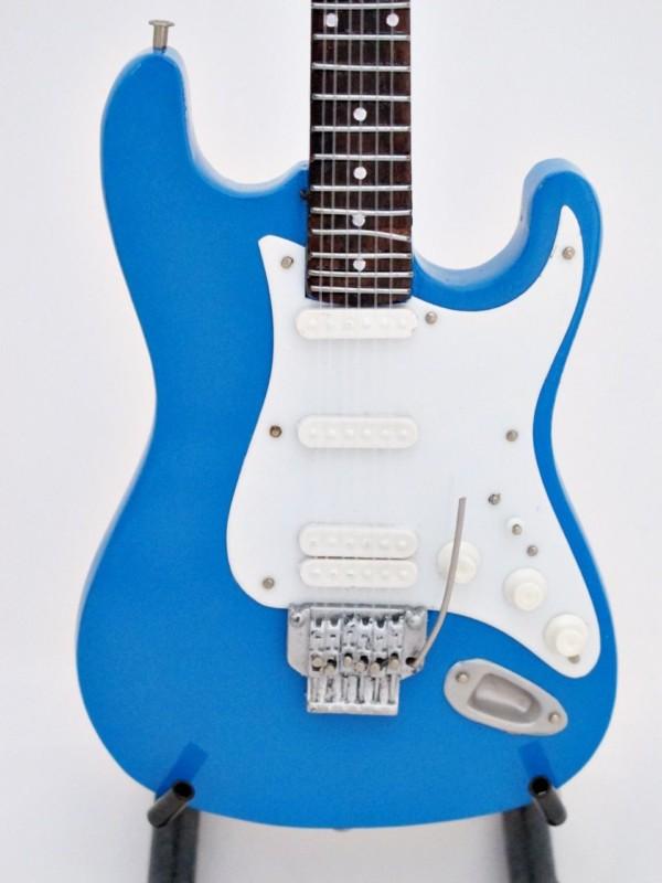 POOH Fender strato blue